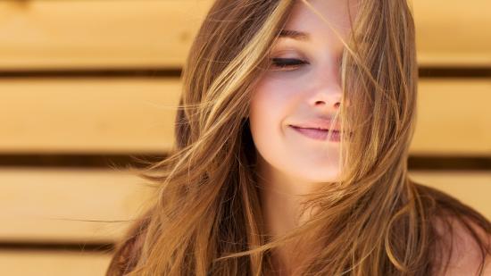 6 popolnih krem z zaščitnim faktorjem za mastno kožo